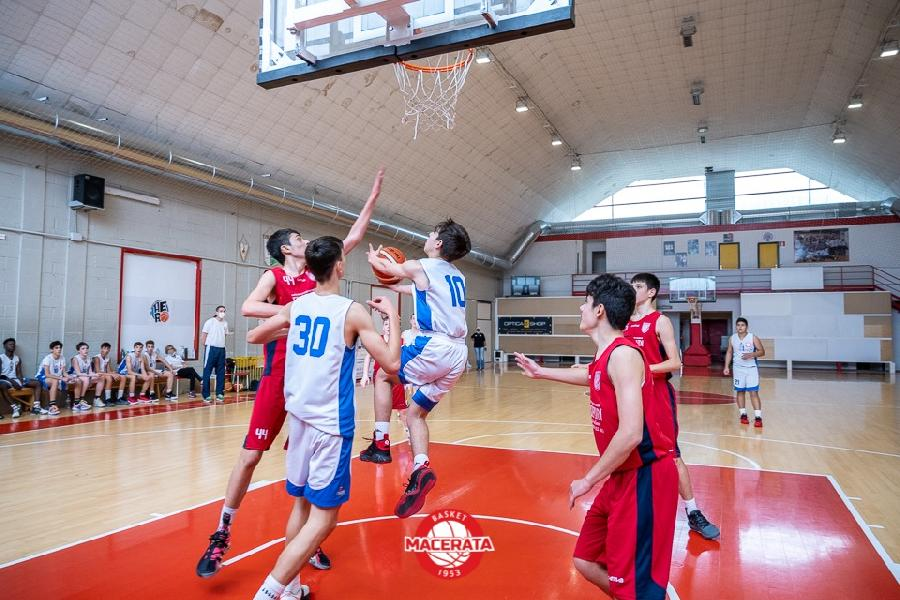 https://www.basketmarche.it/immagini_articoli/28-05-2021/silver-basket-macerata-allunga-quarto-supera-ponte-morrovalle-600.jpg