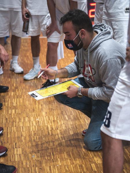 https://www.basketmarche.it/immagini_articoli/28-05-2021/valdiceppo-basket-pronta-derby-basket-todi-600.jpg