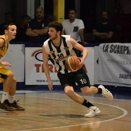 https://www.basketmarche.it/immagini_articoli/28-06-2018/serie-c-gold-altra-conferma-per-il-nuovo-basket-fossombrone-william-clementi-ancora-in-biancoverde-270.jpg