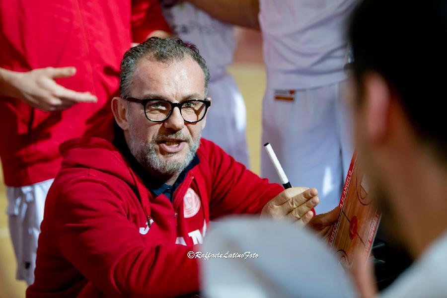 https://www.basketmarche.it/immagini_articoli/28-06-2019/ufficiale-massimiliano-domizioli-allenatore-virtus-civitanova-600.jpg