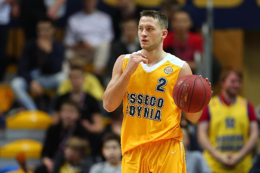 https://www.basketmarche.it/immagini_articoli/28-06-2020/longhi-treviso-cambio-esterni-spunta-anche-nome-polacco-marcel-ponitka-600.jpg