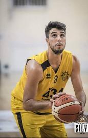 https://www.basketmarche.it/immagini_articoli/28-07-2018/serie-c-silver-paolo-di-febo-è-un-nuovo-giocatore-dell-olimpia-mosciano-270.jpg