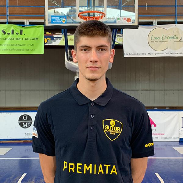 https://www.basketmarche.it/immagini_articoli/28-07-2020/sutor-montegranaro-matija-jovovic-vicino-firma-meta-basket-formia-600.jpg