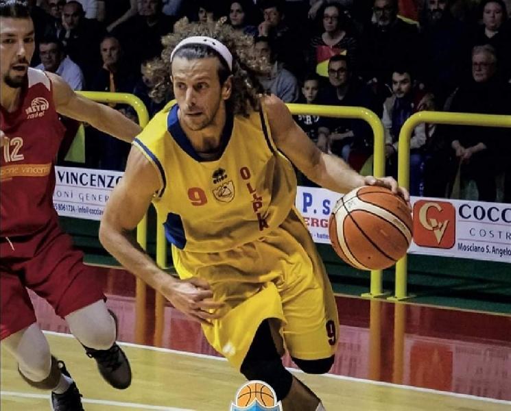 https://www.basketmarche.it/immagini_articoli/28-07-2021/olimpia-mosciano-ufficiale-ritorno-guardia-norman-neri-600.jpg