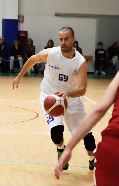 https://www.basketmarche.it/immagini_articoli/28-07-2021/senigallia-basket-2020-ufficiale-anche-conferma-stefano-mencarelli-600.jpg