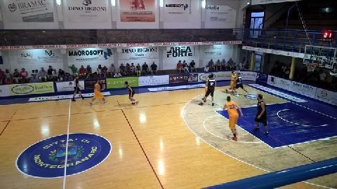 https://www.basketmarche.it/immagini_articoli/28-08-2017/serie-b-nazionale-buoni-spunti-per-la-virtus-civitanova-nell-amichevole-contro-la-poderosa-montegranaro-270.jpg