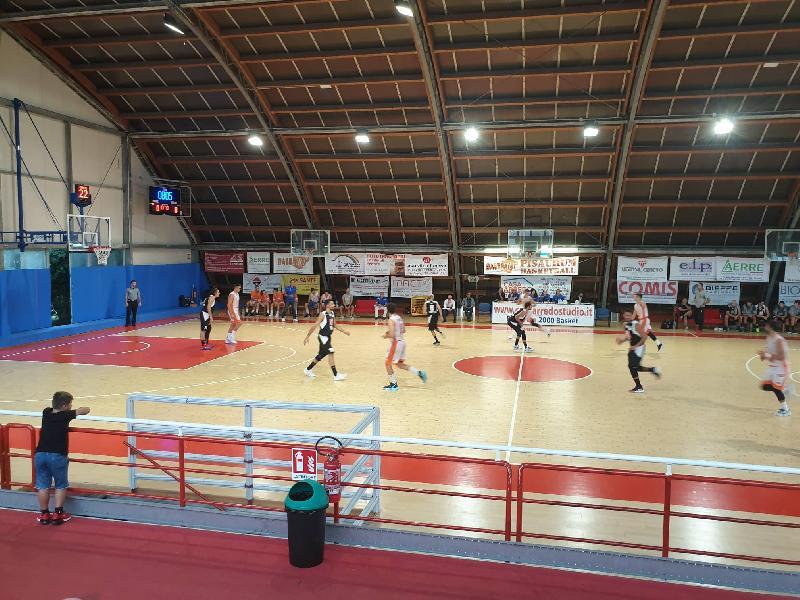 https://www.basketmarche.it/immagini_articoli/28-09-2019/primi-punti-stagione-vanno-pisaurum-pesaro-robur-osimo-sconfitta-autorit-600.jpg