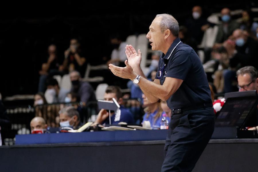 https://www.basketmarche.it/immagini_articoli/28-09-2020/milano-coach-messina-abbiamo-battuto-squadra-eccellente-peccato-infortunio-punter-600.jpg