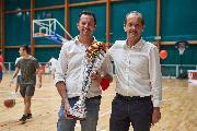 https://www.basketmarche.it/immagini_articoli/28-09-2021/giulio-iozzelli-premiato-dirigente-anno-20202021-serie-120.jpg