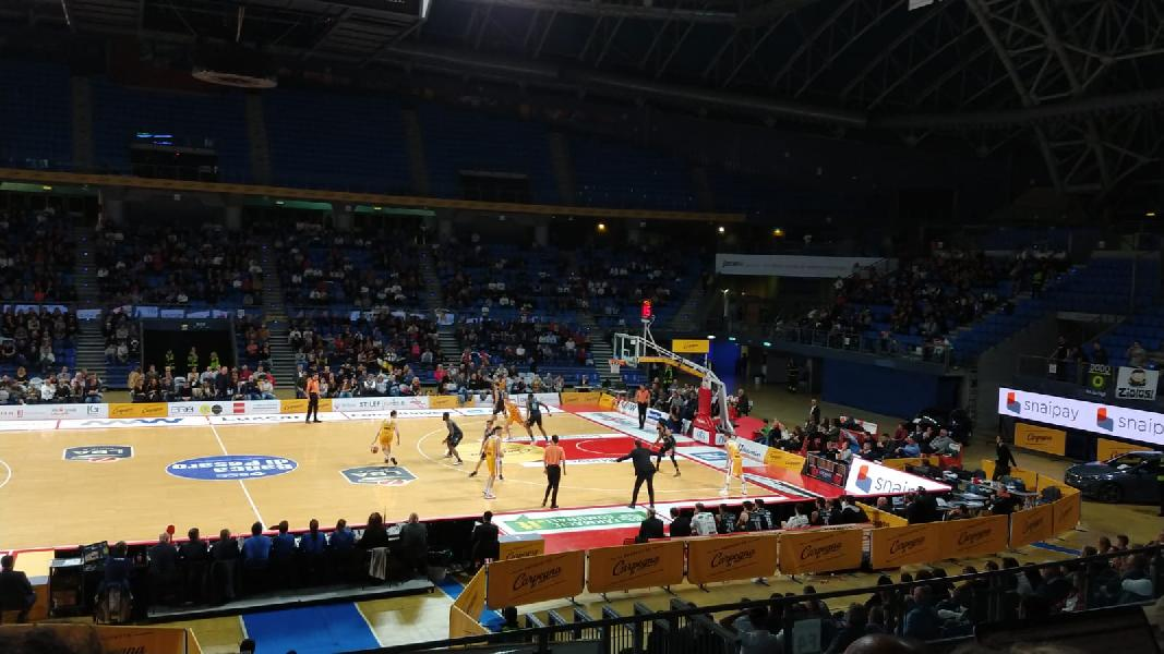 https://www.basketmarche.it/immagini_articoli/28-09-2021/parere-favorevole-capienza-palazzetti-salir-zona-bianca-600.jpg