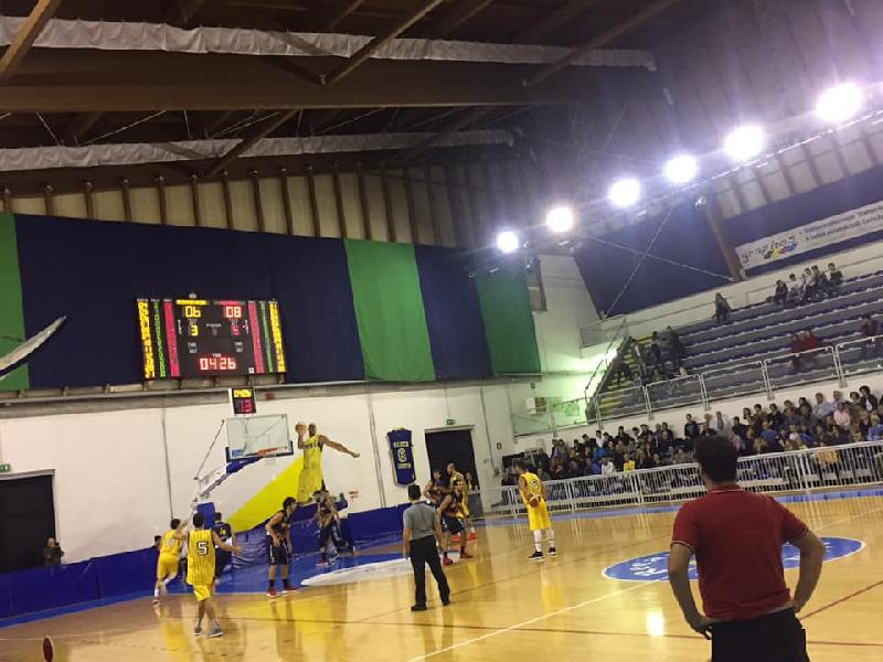 https://www.basketmarche.it/immagini_articoli/28-10-2018/serie-silver-live-girone-marche-umbria-quarta-giornata-andata-tempo-reale-600.jpg