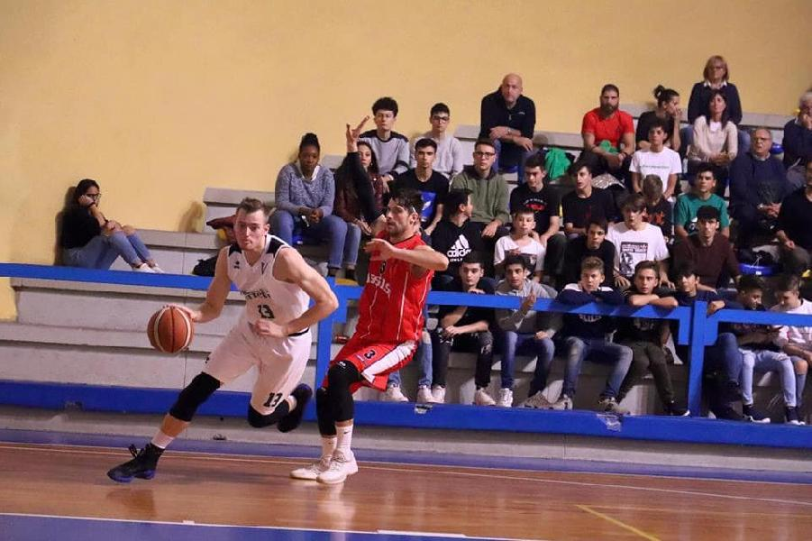 https://www.basketmarche.it/immagini_articoli/28-10-2018/virtus-terni-vittoria-basket-assisi-prova-convincente-600.jpg