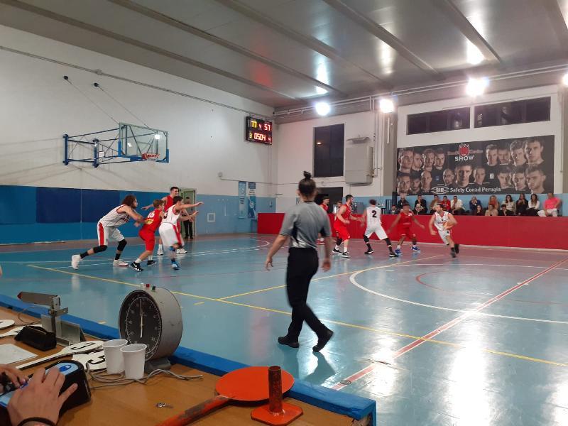 https://www.basketmarche.it/immagini_articoli/28-10-2019/favl-basket-viterbo-incassa-quarta-sconfitta-consecutiva-campo-basket-assisi-600.jpg