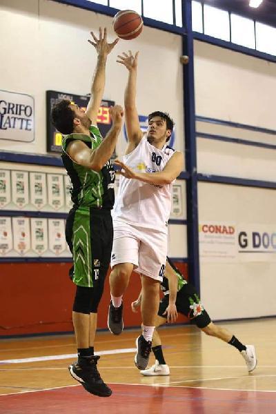 https://www.basketmarche.it/immagini_articoli/28-10-2019/grande-prestazione-valdiceppo-basket-campo-magic-basket-chieti-600.jpg