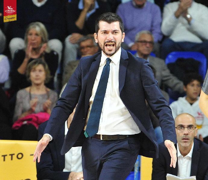 https://www.basketmarche.it/immagini_articoli/28-10-2019/pesaro-coach-perego-dobbiamo-mettere-campo-fisicit-vogliamo-competere-600.jpg
