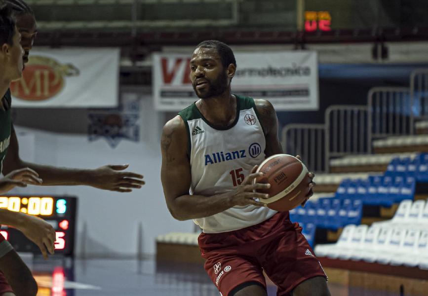 https://www.basketmarche.it/immagini_articoli/28-10-2020/pallacanestro-trieste-myke-henry-allenarsi-squadra-600.jpg