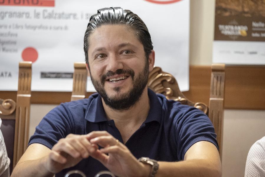 https://www.basketmarche.it/immagini_articoli/28-11-2019/poderosa-montegranaro-vice-presidente-riccardo-bigioni-chiarisce-circa-movimenti-mercato-gialloblu-600.jpg