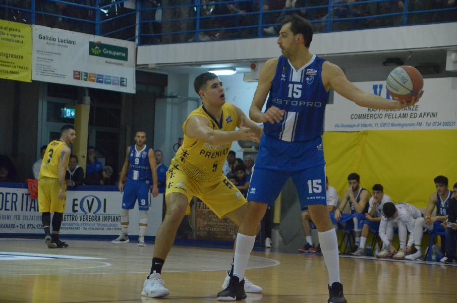https://www.basketmarche.it/immagini_articoli/28-11-2019/sutor-montegranaro-jacopo-ragusa-cesena-squadra-solida-vogliamo-riscattarci-gioire-nostri-tifosi-600.jpg