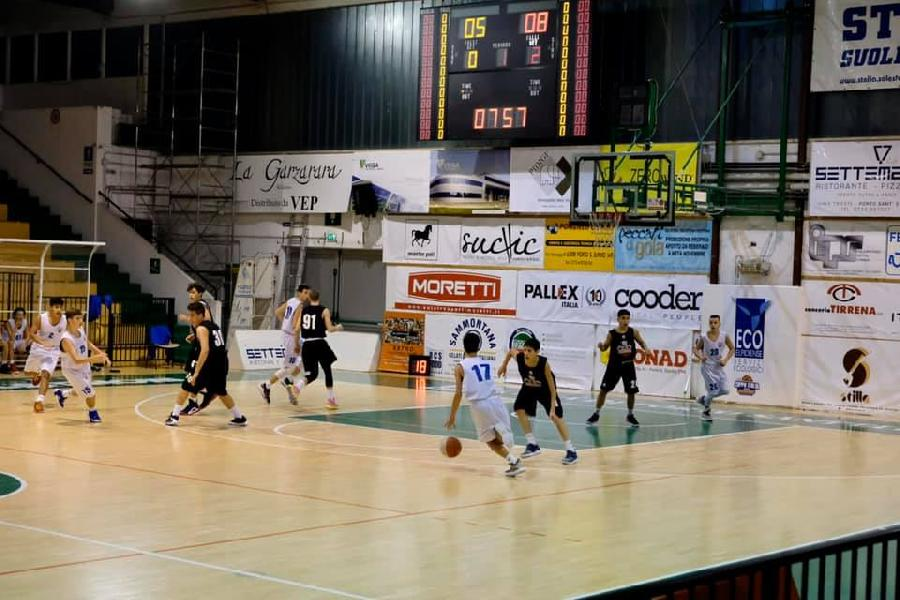 https://www.basketmarche.it/immagini_articoli/28-11-2019/under-pallacanestro-senigallia-passa-campo-porto-sant-elpidio-basket-600.jpg