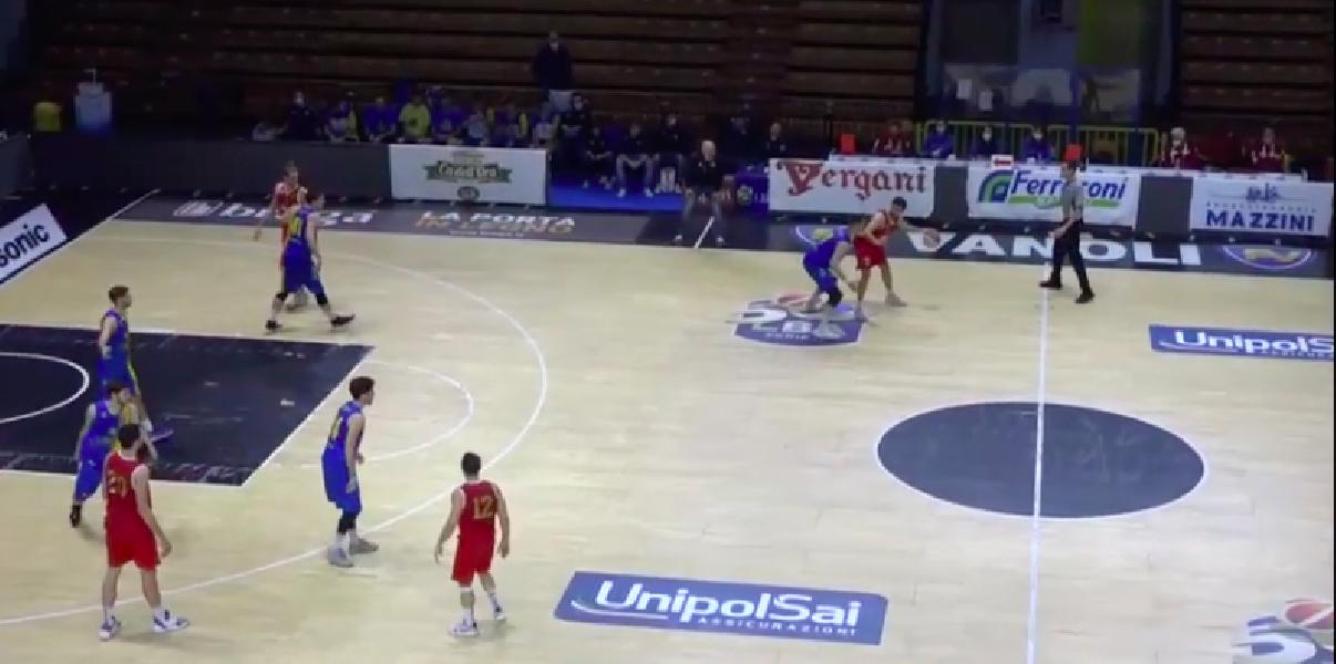 https://www.basketmarche.it/immagini_articoli/28-11-2020/esordio-positivo-juvi-cremona-pallacanestro-fiorenzuola-domata-finale-600.png