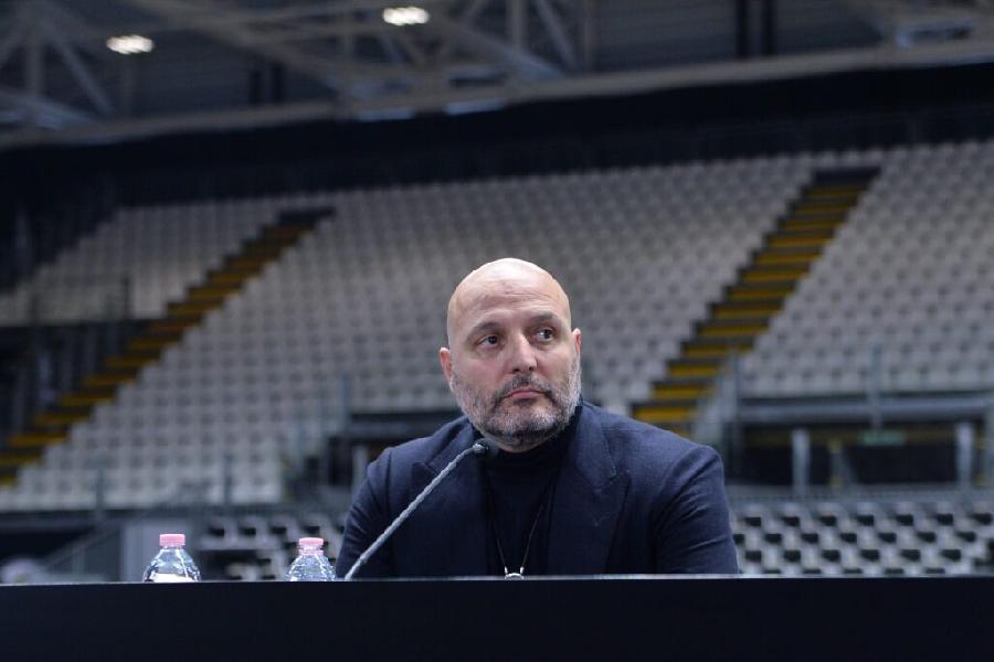 https://www.basketmarche.it/immagini_articoli/28-11-2020/virtus-bologna-coach-djordjevic-molto-facile-inserire-giocatore-qualit-belinelli-600.jpg