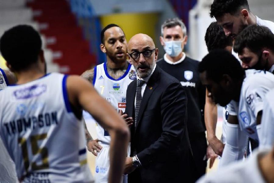 https://www.basketmarche.it/immagini_articoli/28-12-2020/brindisi-coach-vitucci-abbiamo-concesso-troppo-dovevamo-difendere-modo-vincere-600.jpg