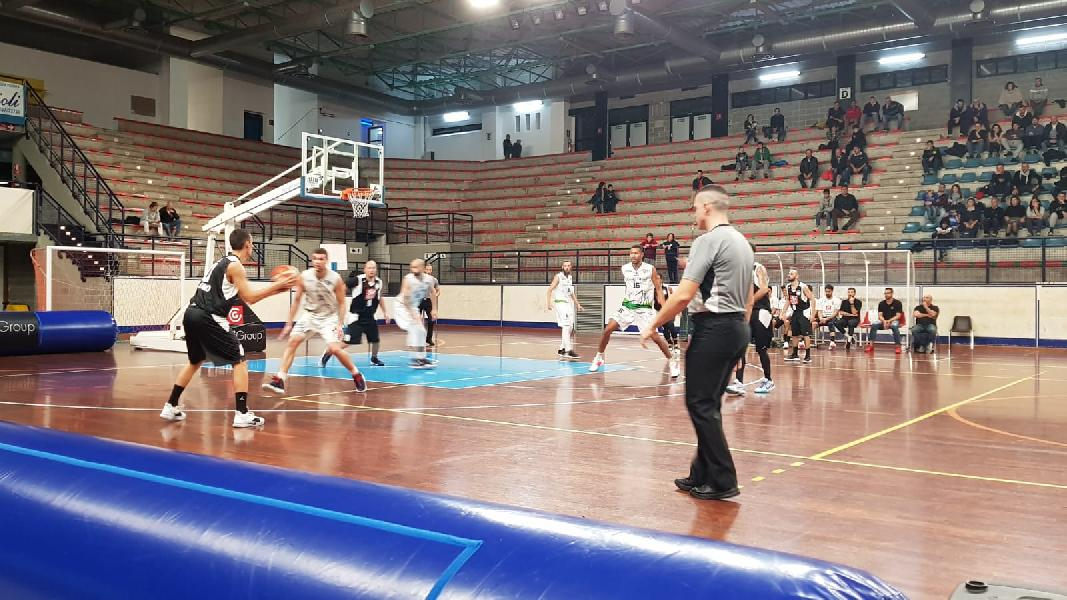 https://www.basketmarche.it/immagini_articoli/29-02-2020/gold-goran-oluic-guida-classifica-marcatori-davanti-raupys-stonkus-600.jpg