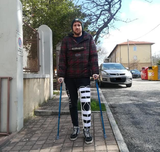https://www.basketmarche.it/immagini_articoli/29-03-2019/brutta-tegola-basket-fermo-stagione-finita-marco-acquaroli-600.jpg