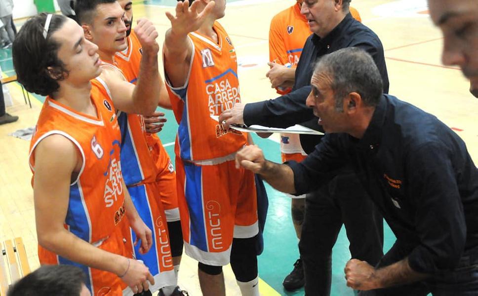 https://www.basketmarche.it/immagini_articoli/29-03-2021/pisaurum-coach-surico-derby-salita-inizio-questa-sberla-potr-farci-bene-600.jpg