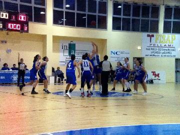 https://www.basketmarche.it/immagini_articoli/29-04-2017/serie-a2-femminile-playoff-gara-3-la-feba-civitanova-cerca-la-qualificazione-a-marghera-270.jpg