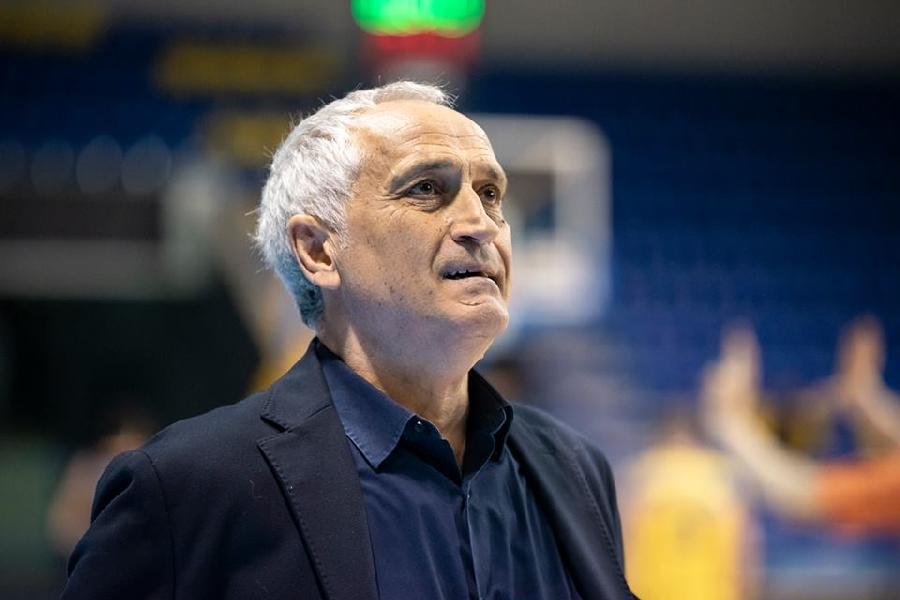 https://www.basketmarche.it/immagini_articoli/29-04-2019/post-partita-montegranaro-latina-parole-coach-pancotto-capitan-amoroso-600.jpg