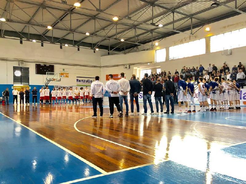 https://www.basketmarche.it/immagini_articoli/29-04-2019/serie-playoff-troppa-virtus-arechi-salerno-pallacanestro-senigallia-gara-600.jpg