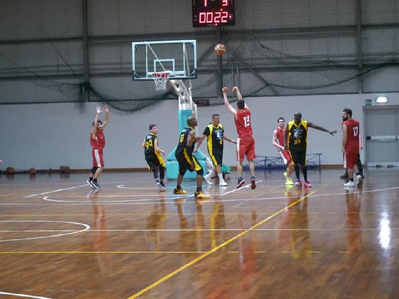 https://www.basketmarche.it/immagini_articoli/29-05-2019/prima-divisione-finals-basket-jesi-espugna-campo-adriatico-ancona-promosso-600.jpg