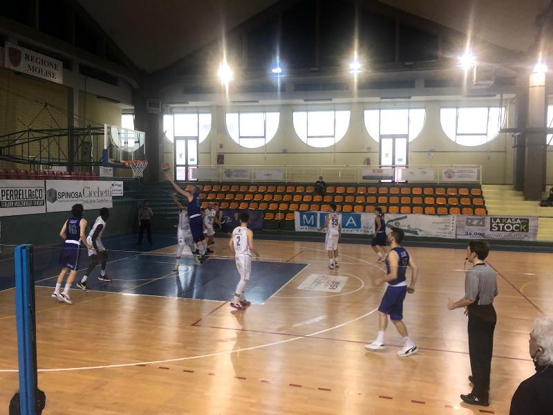 https://www.basketmarche.it/immagini_articoli/29-05-2021/bartoli-mechanics-passa-nettamente-campo-basket-isernia-conferma-capolista-600.jpg
