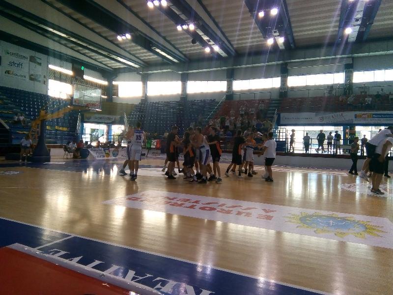 https://www.basketmarche.it/immagini_articoli/29-06-2019/finali-nazionali-under-oxygen-bassano-aurora-desio-giocano-scudetto-600.jpg