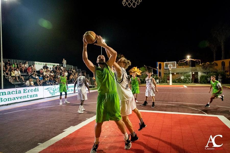 https://www.basketmarche.it/immagini_articoli/29-06-2019/roseto-summer-league-risultati-tabellini-seconda-giornata-600.jpg