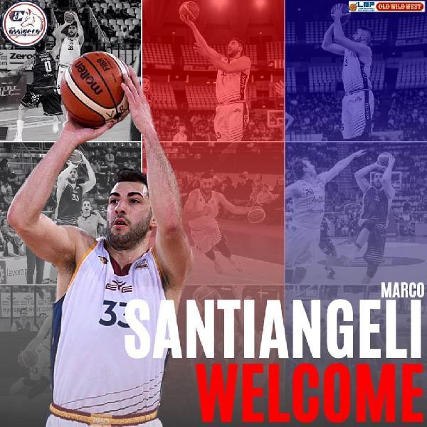 https://www.basketmarche.it/immagini_articoli/29-06-2019/ufficiale-matelicese-marco-santiangeli-giocatore-assigeco-piacenza-600.jpg