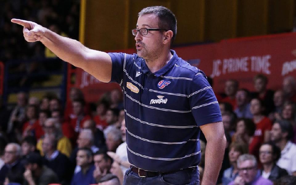 https://www.basketmarche.it/immagini_articoli/29-06-2020/ufficiale-coach-mattia-ferrari-lega-monferrato-contratto-plueriennale-600.jpg