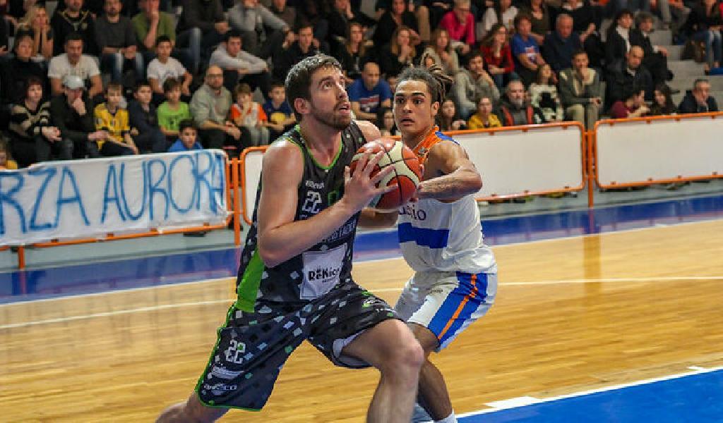 https://www.basketmarche.it/immagini_articoli/29-06-2021/ufficiale-omnia-basket-pavia-firma-lungo-giorgio-sgobba-600.jpg