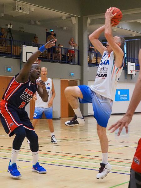 https://www.basketmarche.it/immagini_articoli/29-07-2019/mondiali-maxibasket-alti-bassi-rappresentative-azzurre-seconda-giornata-600.jpg