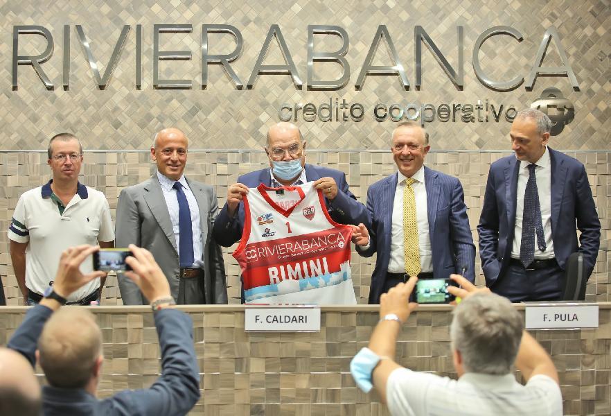 https://www.basketmarche.it/immagini_articoli/29-07-2020/rinascita-basket-rimini-main-sponsor-600.jpg