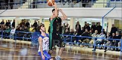 https://www.basketmarche.it/immagini_articoli/29-07-2021/ufficiale-amatori-pescara-affida-cabina-regia-play-alberto-salvia-120.jpg