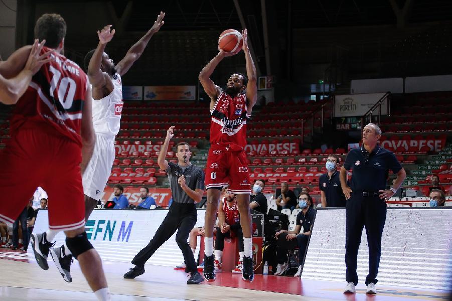 https://www.basketmarche.it/immagini_articoli/29-08-2020/supercoppa-olimpia-milano-domina-ancora-concede-varese-600.jpg