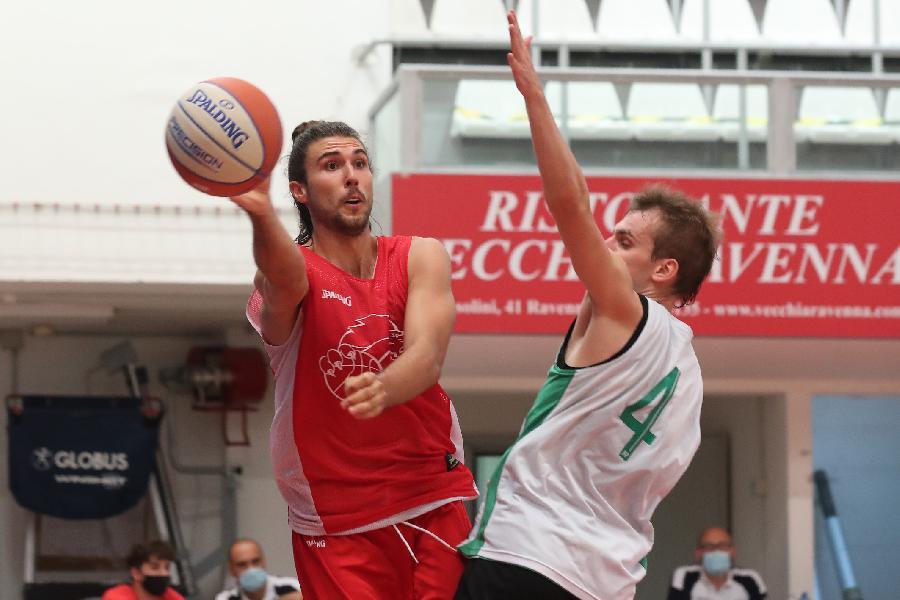 https://www.basketmarche.it/immagini_articoli/29-08-2021/basket-ravenna-buon-test-faenza-coach-lotesoriere-ottima-prova-soprattutto-livello-fisico-600.jpg