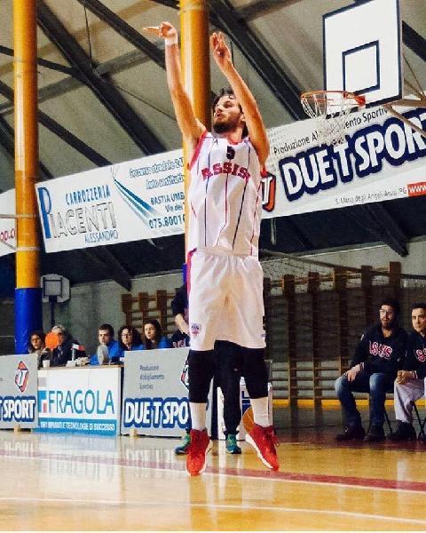 https://www.basketmarche.it/immagini_articoli/29-09-2018/edoardo-parretta-giocatore-virtus-basket-terni-600.jpg