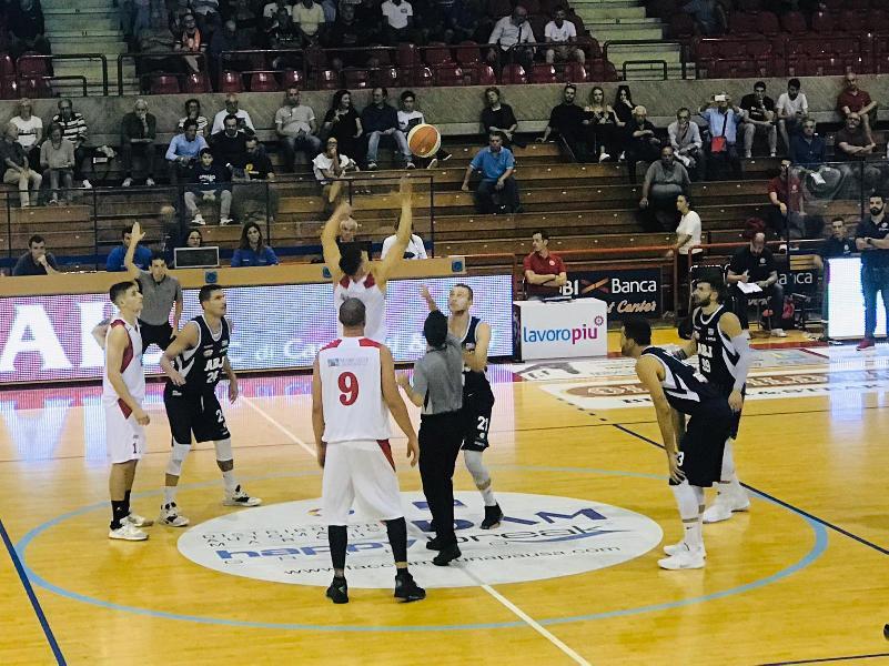 https://www.basketmarche.it/immagini_articoli/29-09-2019/aurora-jesi-rischia-harakiri-fine-doma-teramo-basket-600.jpg