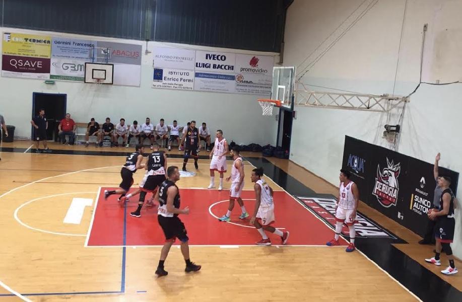 https://www.basketmarche.it/immagini_articoli/29-09-2019/derby-sfortunato-perugia-basket-coach-monacelli-siamo-disuniti-bicchiere-mezzo-pieno-600.jpg