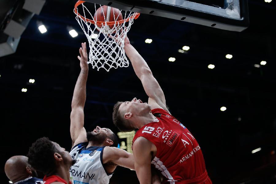 https://www.basketmarche.it/immagini_articoli/29-09-2019/germani-brescia-firma-colpaccio-passa-campo-olimpia-milano-600.jpg
