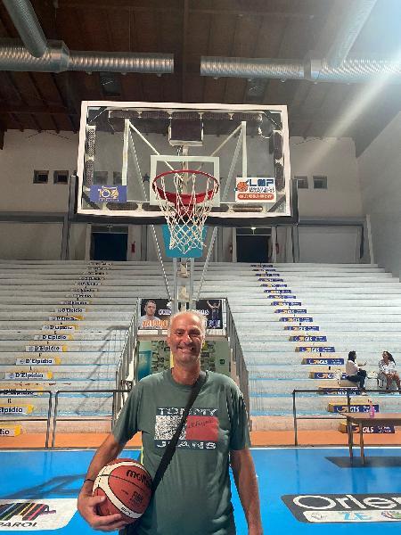 https://www.basketmarche.it/immagini_articoli/29-09-2021/ufficiale-tonino-caivano-team-manager-roseto-basket-2020-600.jpg