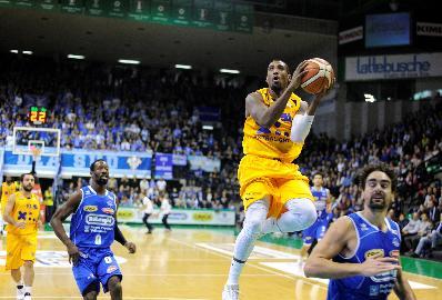 https://www.basketmarche.it/immagini_articoli/29-10-2017/serie-a2-la-poderosa-montegranaro-gioca-la-gara-perfetta-ed-espugna-treviso-270.jpg